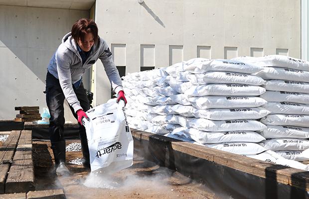 水質浄化の土の敷設