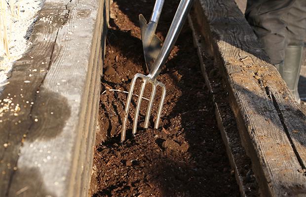用土敷設の準備